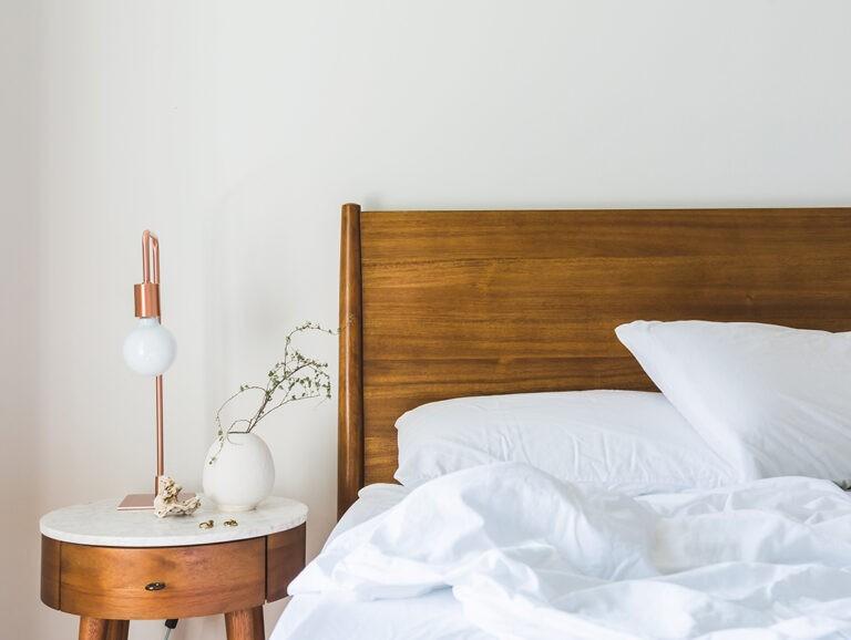 Ventajas de apostar por los muebles de madera maciza